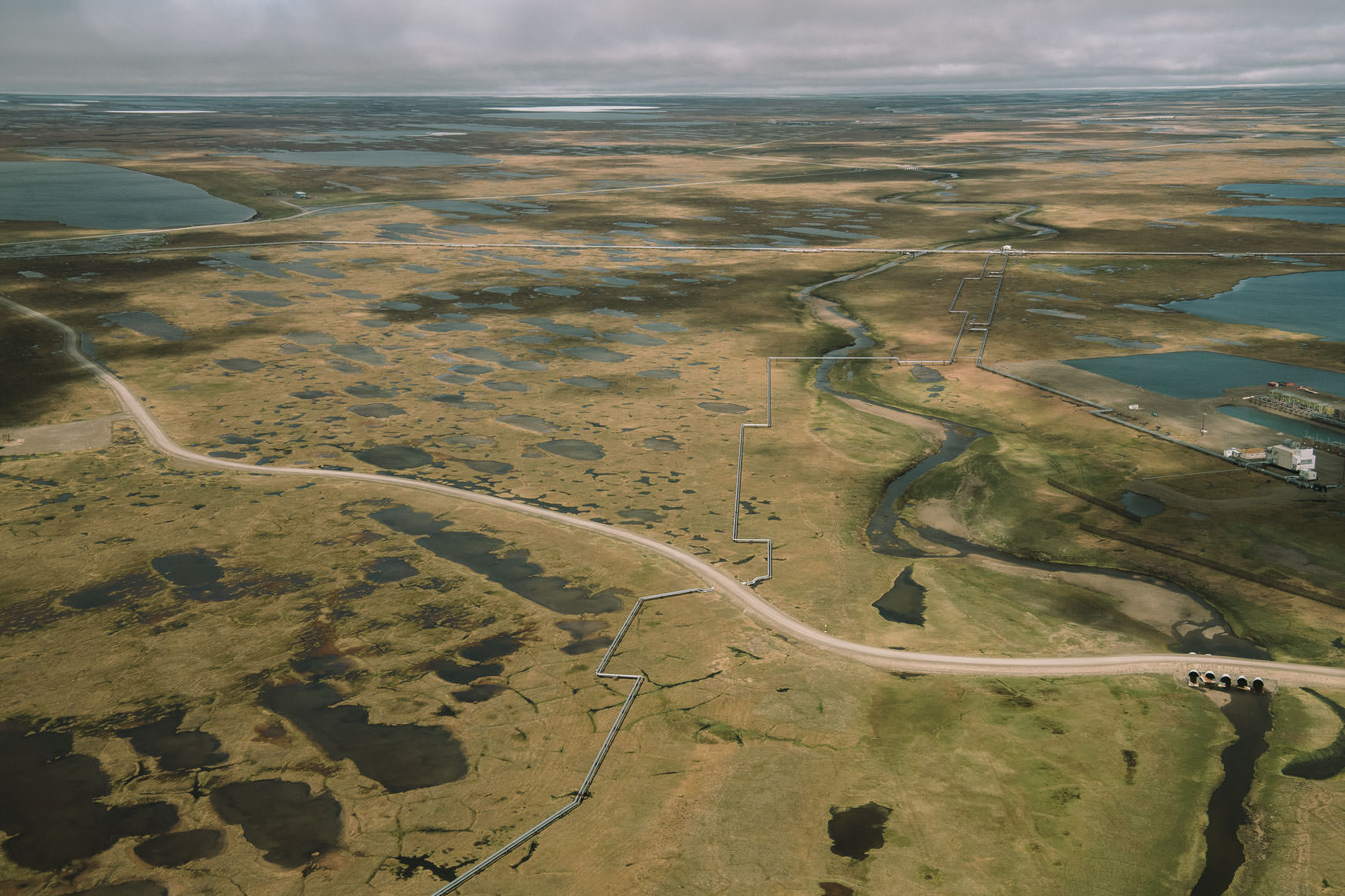 Road and Pipeline, Tundra Crossing